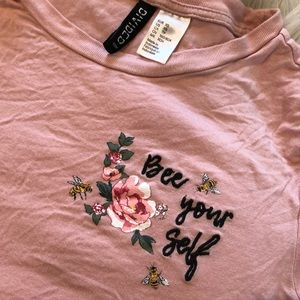 "H & M divided t-shirt ""bee yourself"""